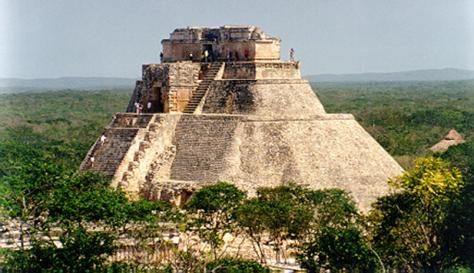 Piramide del adivino o del enano