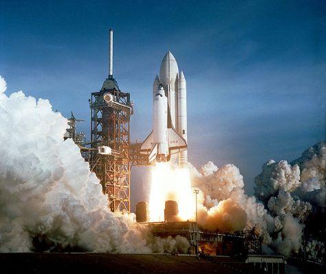 Nave espacial Columbia despegando