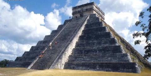 Pirámide de Kukulkán en Chichén Itzá, México