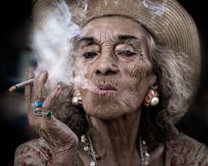 Proceso de envejecimiento acelerado por fumar