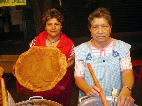 Buñuelo mexicano se preparan para las ofrendas del dia de muertos y en dias feriados