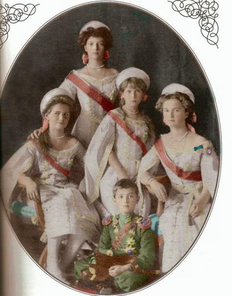 El zarevith Alexei y las 4 hijas del Zar Nicolás II y Alejandra