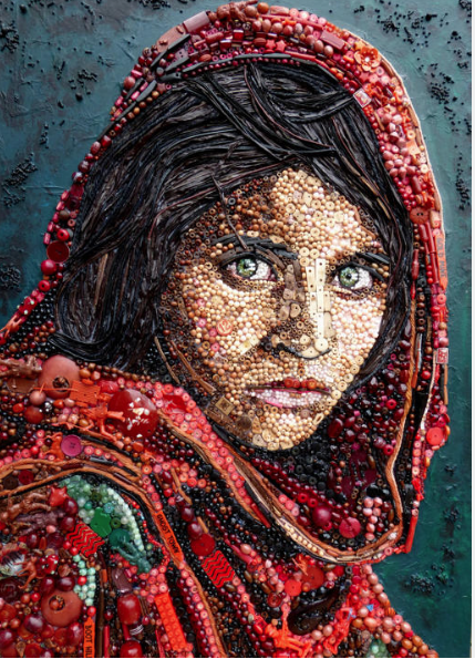 NIÑA AFGANA de la foto de Steve McCurry National Geographic y Foto por Jane Perkins Caters News