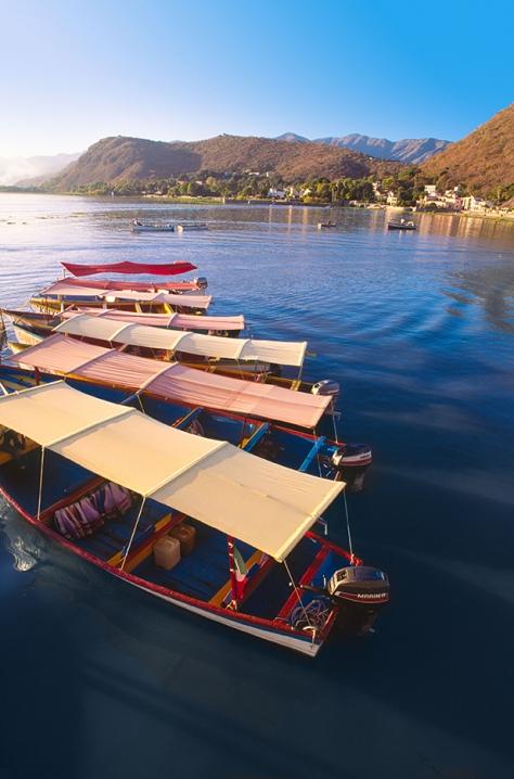 Viajes en bote en Lago Chapala Jalisco Mexico