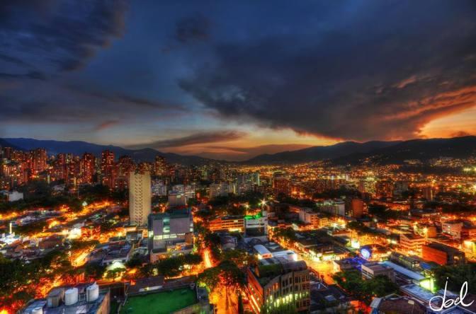 Medellin Colombia de noche