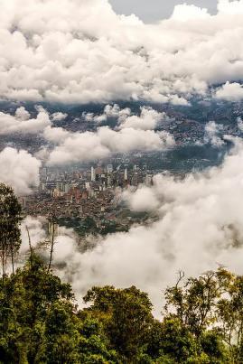 Medellin entre nubes