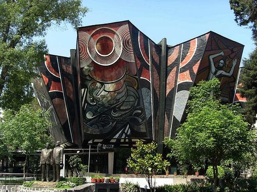 Plyforum murales exteriores Siqueiros