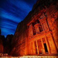 Petra Jordania de noche