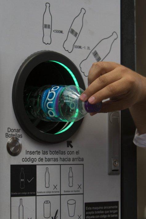 maquina que da dinero reciclaje