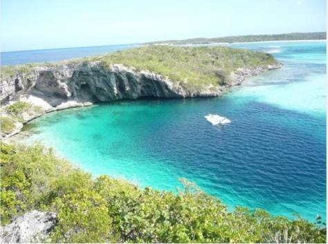 El Dean Blue Bahamas otro famoso agujero  Atlántico