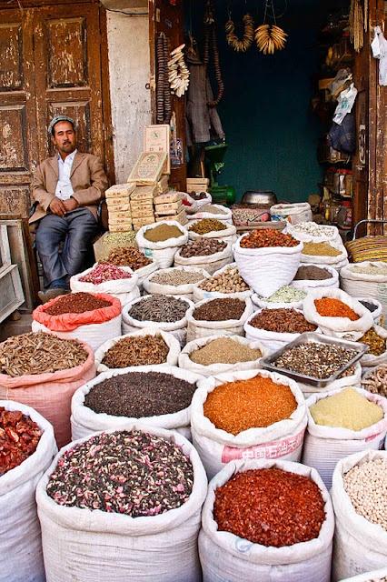 Kashgar mercaderías transportadas por la ruta de la seda