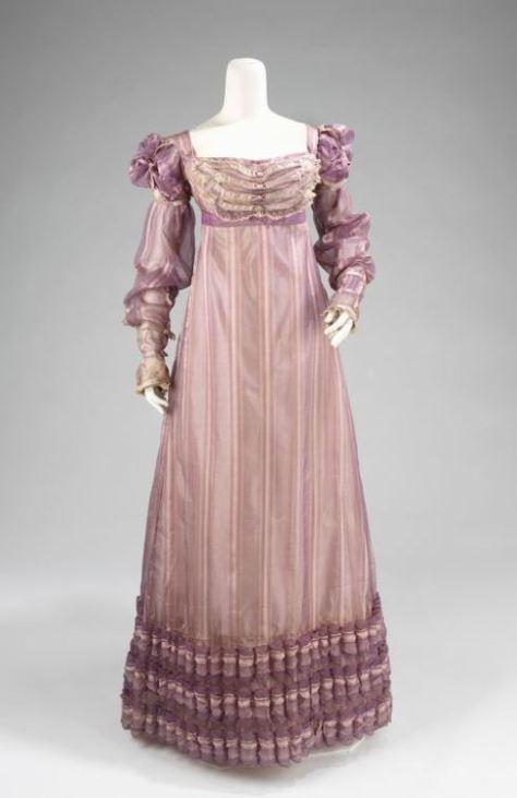 vestido de seda púrpura de 1820 corte imperio