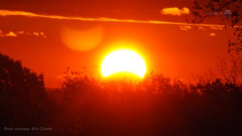 eclipse parcial de Sol roj