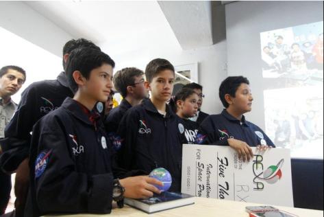 Niños de laa escuela de robtica RobotiX