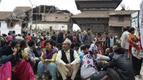El sismo mas fuerte en Nepal en mas de 80 años el movimiento telurico también se sintio en India Pakistan Bangladesh y Tibet