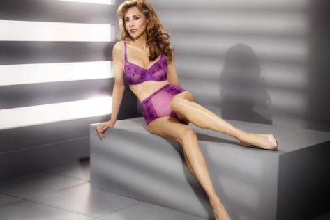 Marie Helvin modelo ropa interior