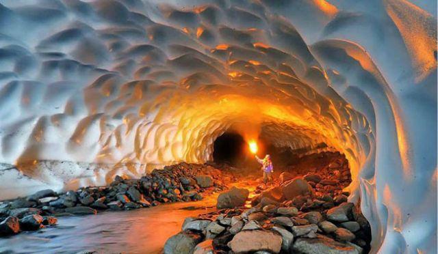 Las fascinantes Cuevas 'mágicas' de hielo en Rusia