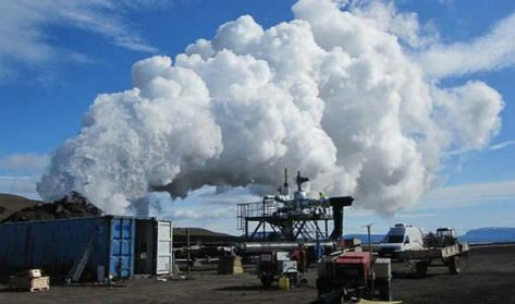 Islandia aprende a generar energia geotermica de un volcan