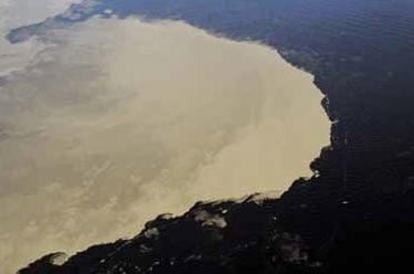 rio-amazonas-rio-negro-se-unen