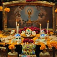 DÍA DE MUERTOS, UNA TRADICIÓN, DOS RELIGIONES