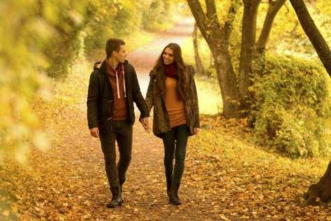 los-hombres-caminan-mas-despacio-cuando-estan-enamorados-1