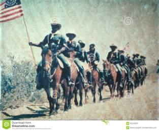 repromulgacin-histrica-de-la-caballera-de-los-e-s-caballera-caballo-con-la-bandera-americana-52246353
