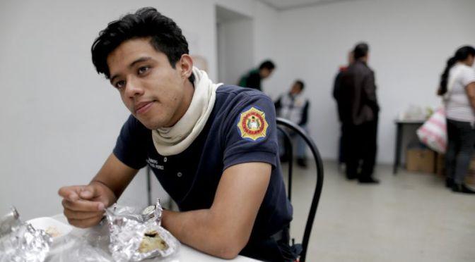 Bomberos ayudan, pero sienten impotencia tras sismo en México